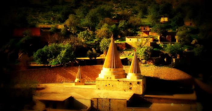 Tempel/Temple (exterior view)/Peristgeh